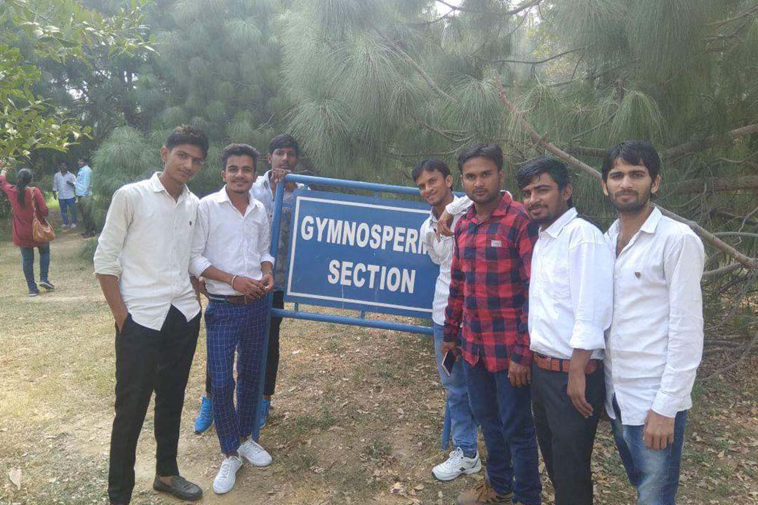 Gurugram Global College of  Pharmacy Student's visit to Botanical Garden in Gurugram on 7th Nov, 2017